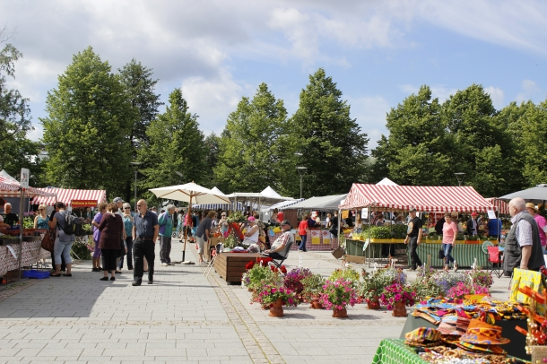 Market day at Forssa Market Square.